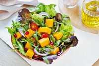 Salat mit Hanföl Dressing